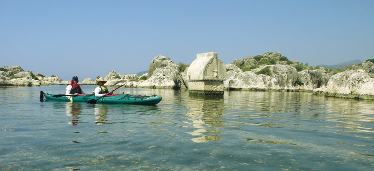Turkey-Tour-Packages-kayaking-in-Sea