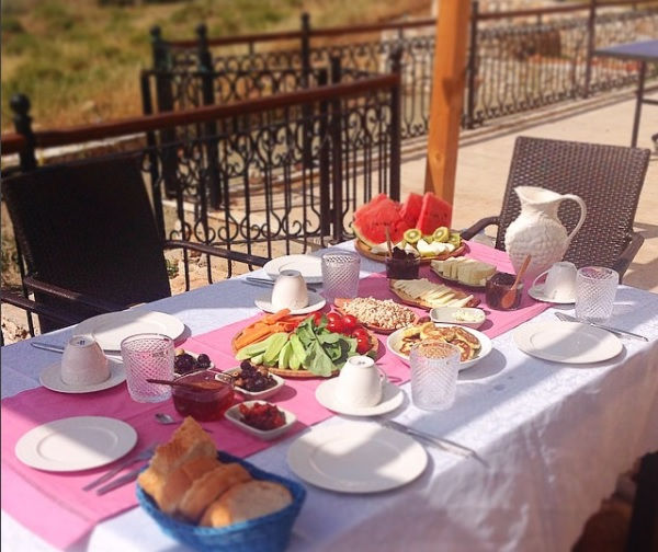 turkish breakfast table